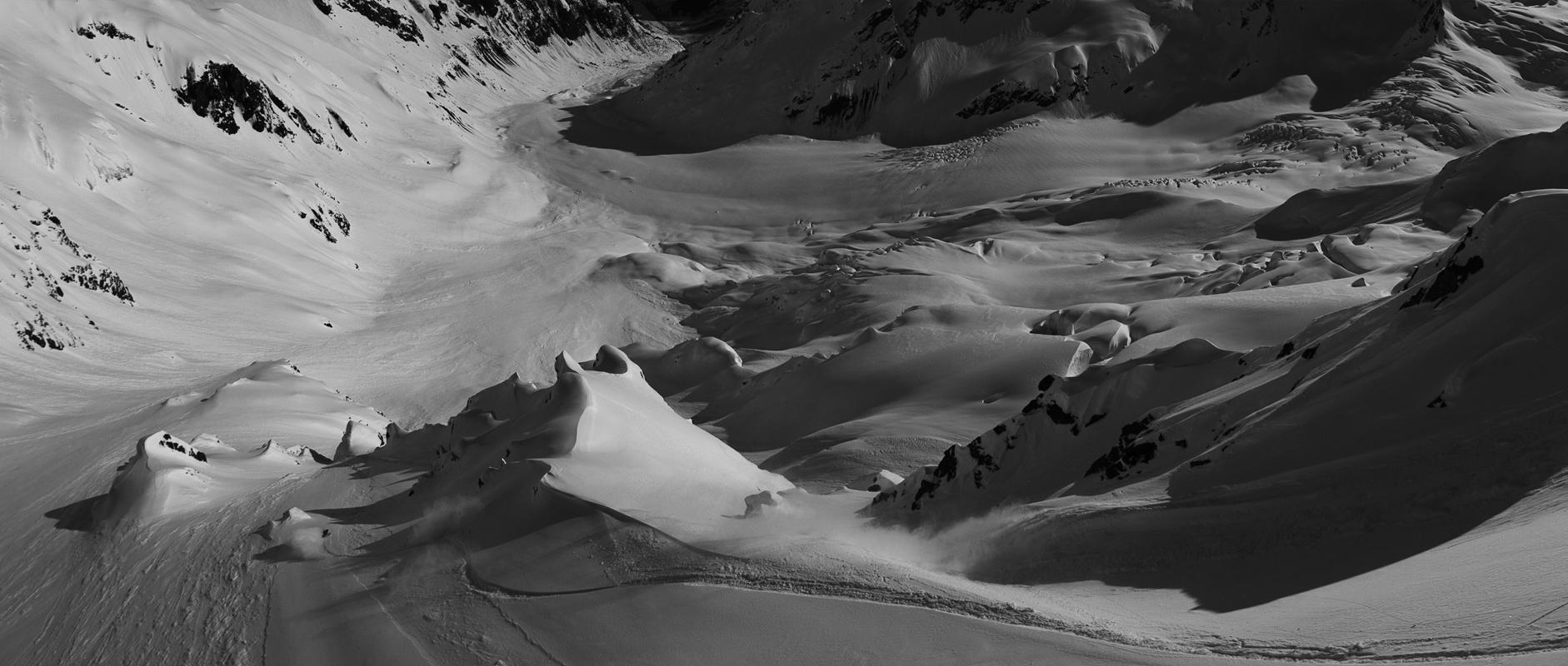 Afdaling in Alaska in zwart en wit